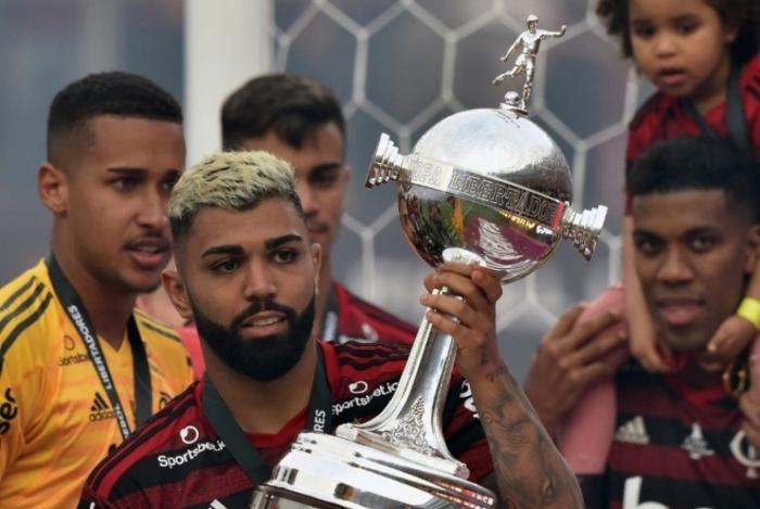 Ronaldo pode atravessar negociação entre Flamengo e Gabigol