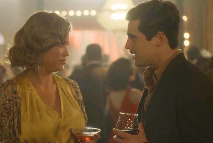 Marion (Ellen Rocche) rejeita Alfredo (Nicolas Prattes) após beijá-lo em 'Éramos Seis'
