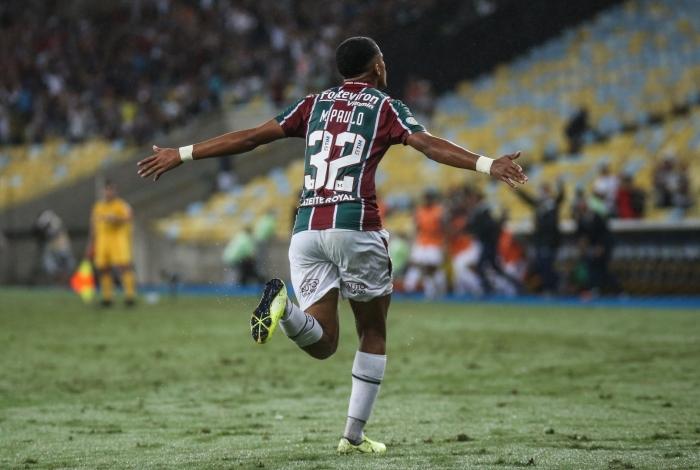 Marcos Paulo comemorando seu golaço contra o Palmeiras no Maracanã