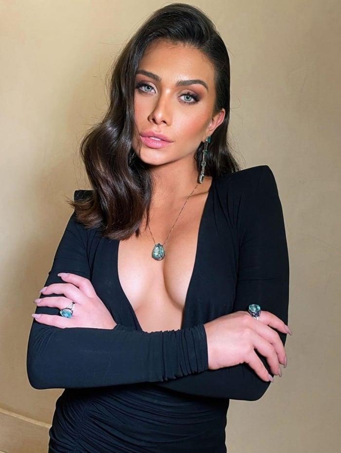 Flavia Pavanelli assume namoro com empresário