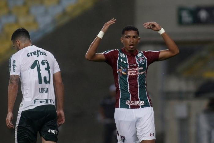 O jovem atacante Marcos Paulo decidiu o jogo para o time tricolor, marcando um golaço no primeiro tempo