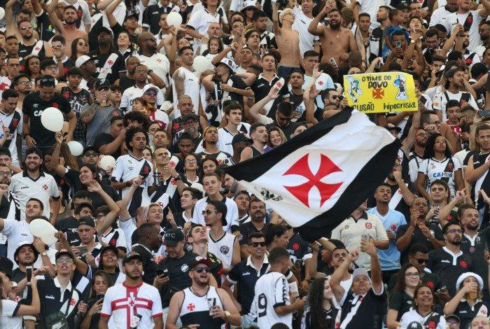 Torcedores do Vasco já realizaram mais de três mil transferências, via Pix, para a conta do clube