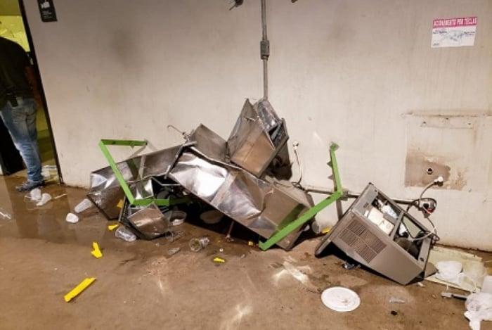 Interior do estádio após partida que rebaixou o Cruzeiro