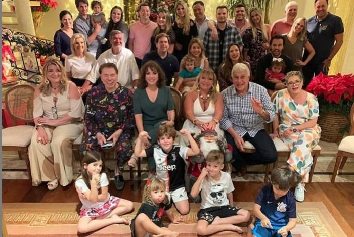 Silvio Santos reúne a família em sua casa