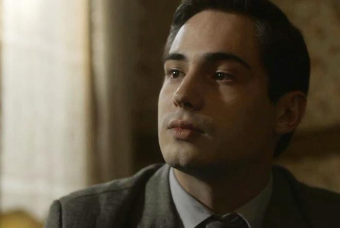 Carlos (Danilo Mesquita), em 'Éramos Seis'