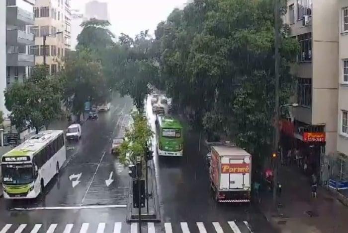 Tijuca, na Zona Norte, teve chuva moderada na tarde desta terça-feira