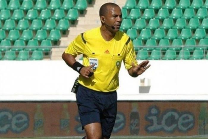 Árbitro Hicham Tiazi foi banido do futebol