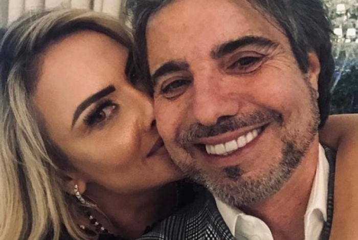 João Kleber anuncia que vai se casar