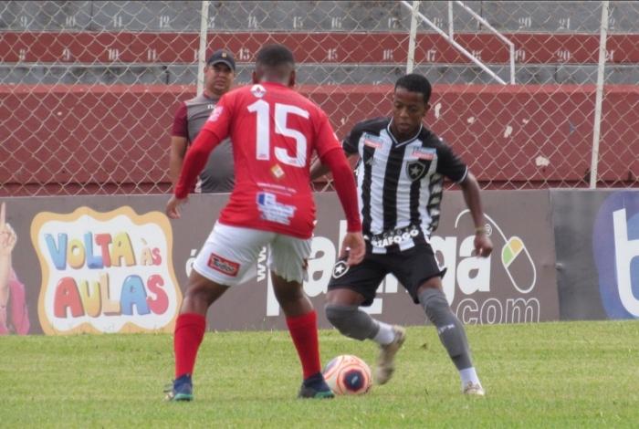O Botafogo venceu o Noroeste, em Bauru, e avançou à segunda fase da Copa SP