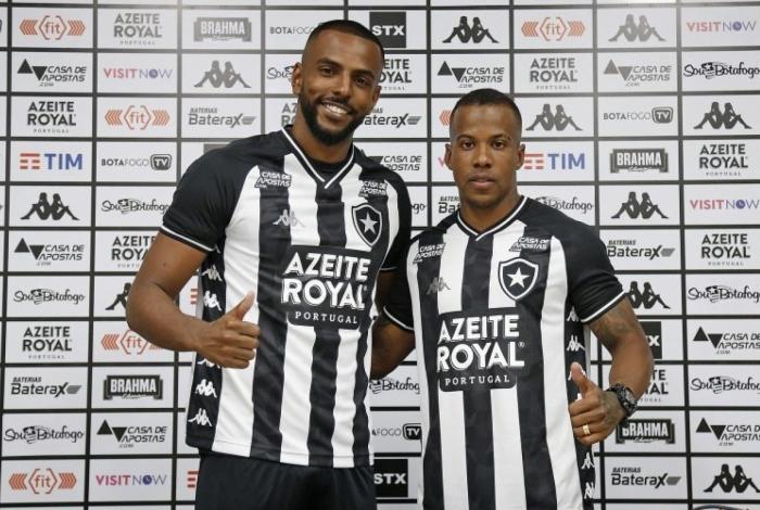 O zagueiro Ruan Renato (E) e o lateral-esquerdo Guilherme Santos foram apresentados pelo Botafogo