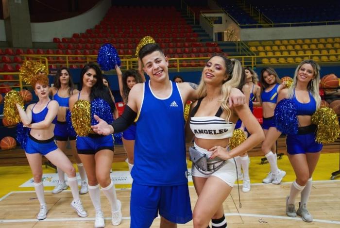 O Mc Jottape e a cantora Lexa durante a gravação do clipe