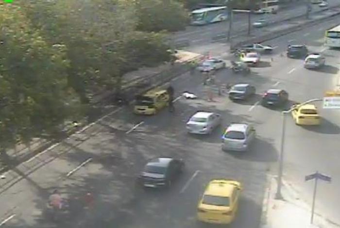 Acidente entre táxi e moto deixou motociclista morto em Botafogo