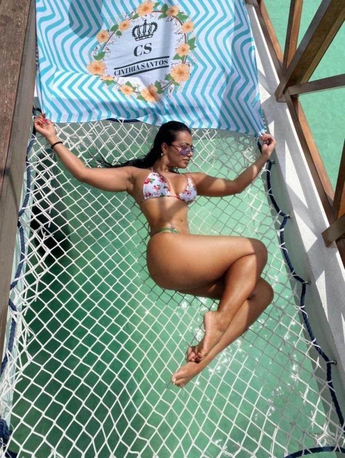Cinthia Santos curte férias com noivo nas Ilhas Maldivas
