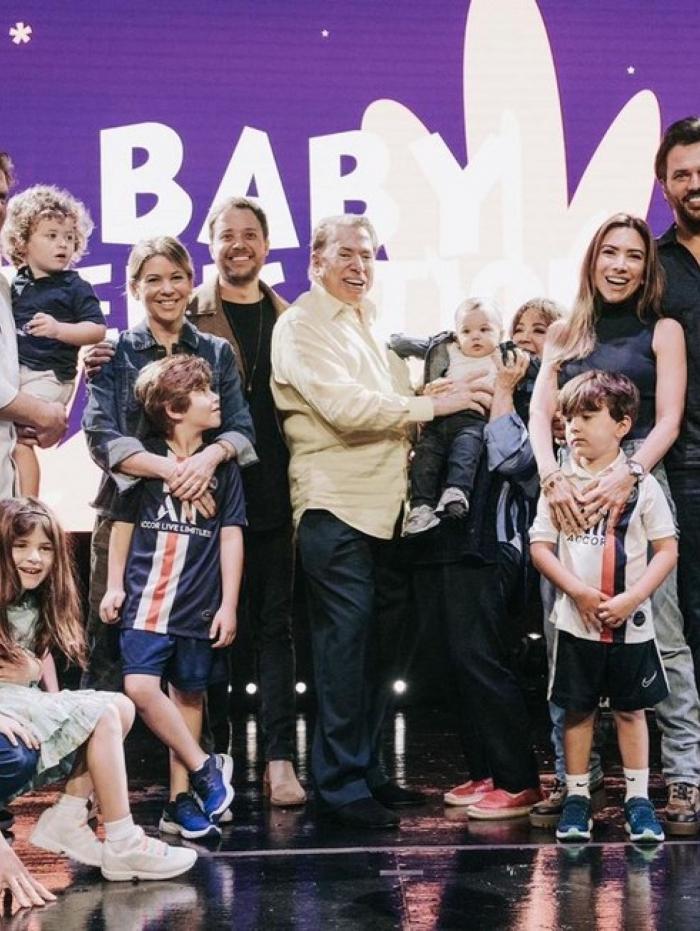 Silvio Santos no culto com a família