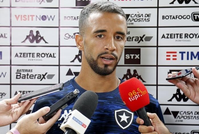 Caio Alexandre é uma das apostas da base do Botafogo para a temporada