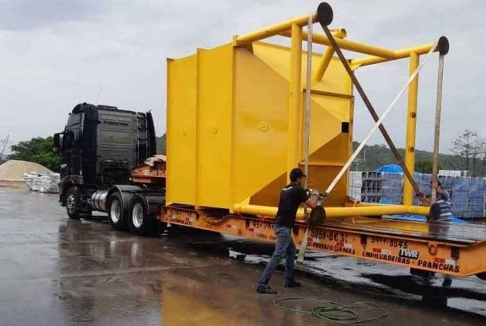 Equipamento que será usado para a adição de carvão ativado no tratamento da água da Cedae