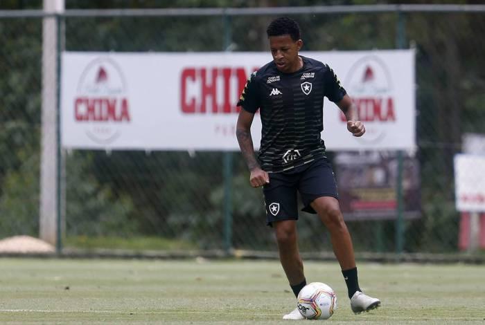 O volante Gustavo Bochecha deve ser emprestado pelo Botafogo