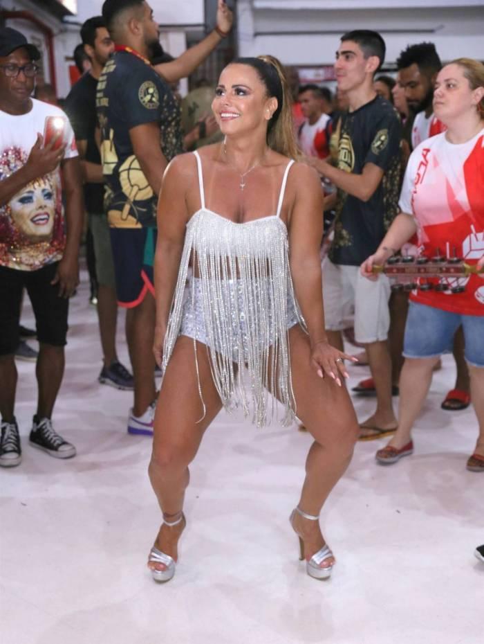 Viviane Araujo no ensaio show do Salgueiro