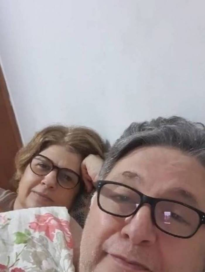 Ex-governador publicou a live com a legenda 'Papo de Casal com Garotinho e Rosinha