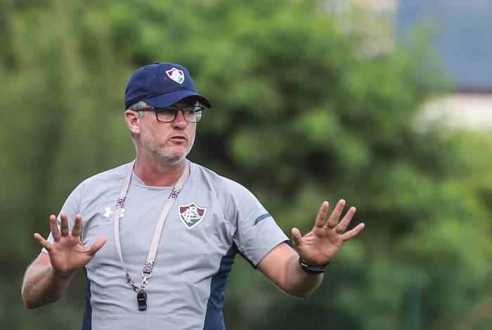 Odair Hellmann no treino do Fluminense