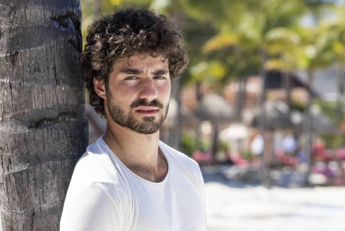 José Condessa é Juan em Salve-se Quem Puder