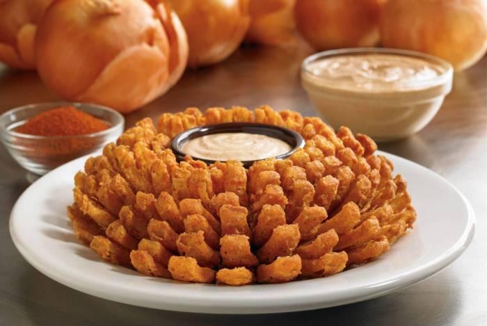 Outback presenteia clientes com a cebola Bloomin' Onion