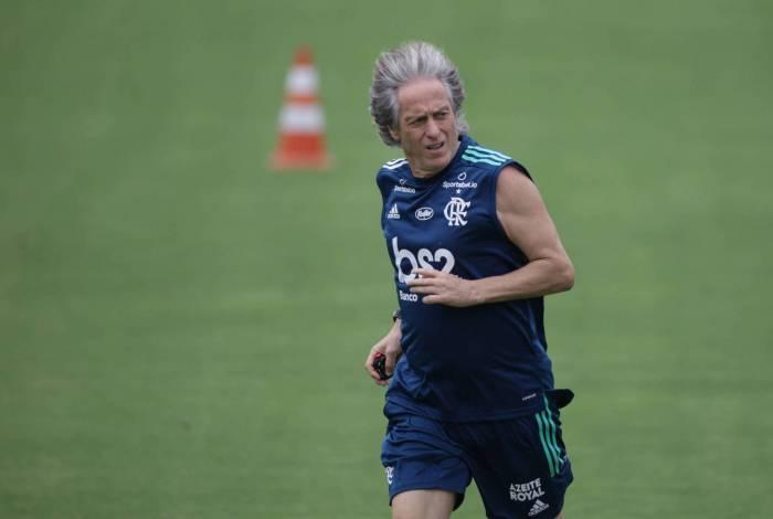 Jorge Jesus doou dinheiro do próprio bolso para funcionários do Flamengo