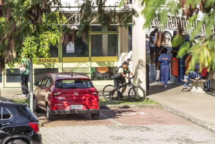 Vítima está internada no Hospital Lourenço Jorge, na Barra