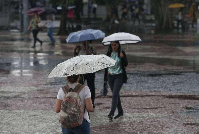 Chuva forte está prevista para atingir a cidade na noite desta quinta-feira