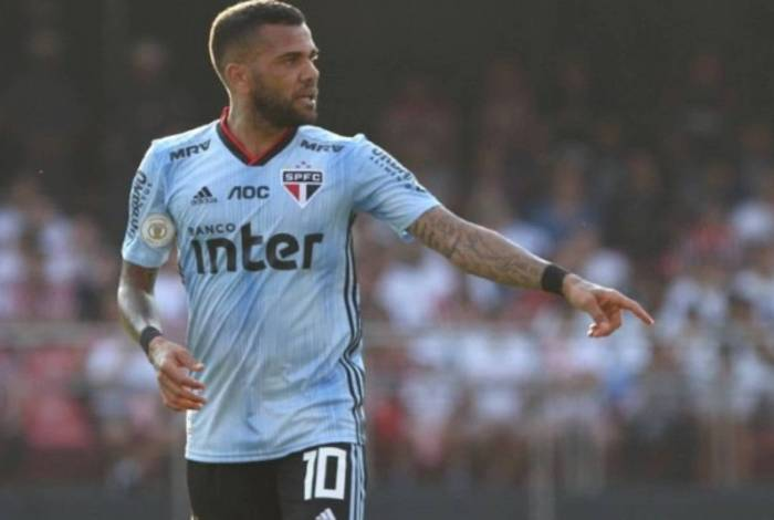 Daniel Alves vive o seu melhor momento com a camisa do São Paulo