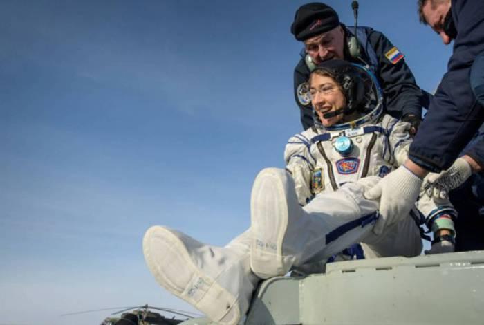 Astronauta reencontra seu cachorro após passar 328 dias no espaço