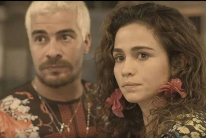 Érica (Nanda Costa) e Ryan (Thiago Martins) vêem Raul (Murilo Benício) e Vitória (Nanda Costa)