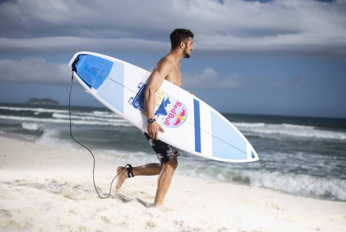 Rio de Janeiro recebe serviço inédito de compartilhamento de pranchas de surfe