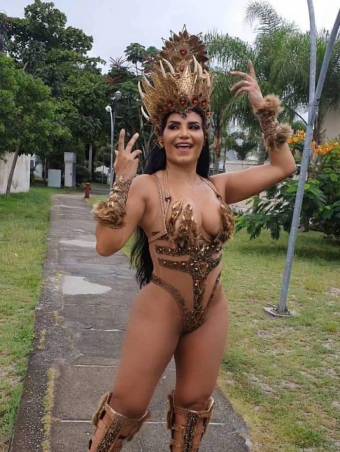 Shayene Cesário sairá vestida de arara azul