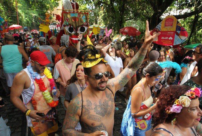 Prefeitura monitora possível saída de blocos clandestinos no Carnaval