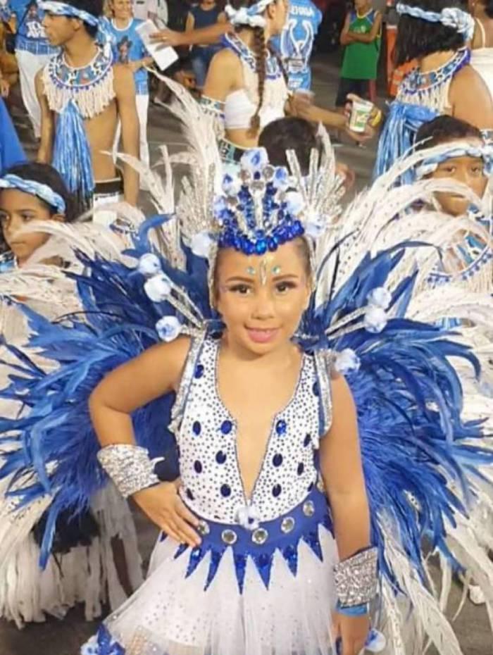 Ana Patricia desfilou pela Filhos da Águia
