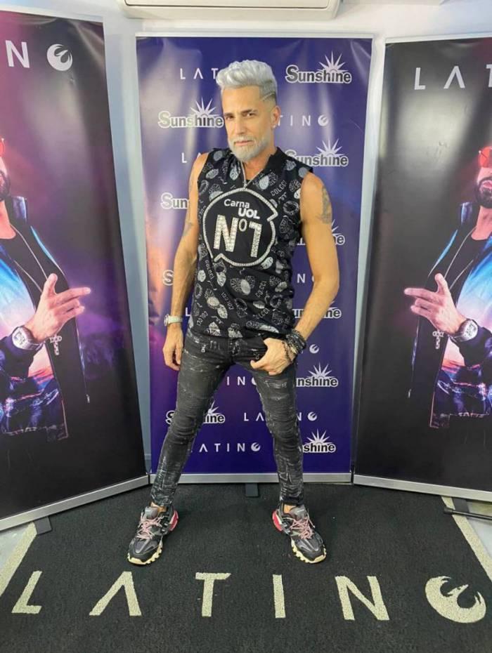 """Latino faz """"after live"""" com apresentação de Nelson Freitas"""