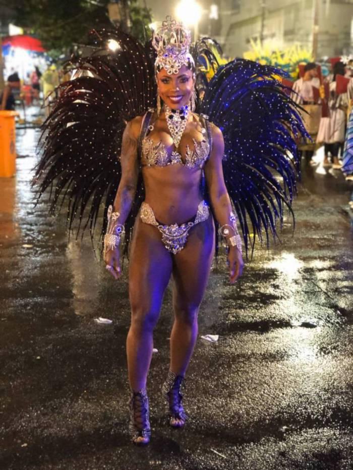 Mylla Ribeiro é Rainha de bateria da União Cruzmaltina