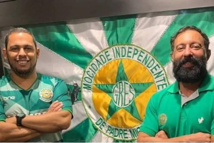 Fabio iniciou sua carreira auxiliando o carnavalesco Joãozinho Trinta na Unidos do Viradouro