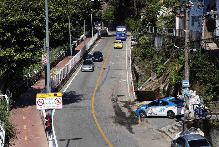 Operadores de tráfego atuam no local para manobras operacionais e orientação aos motoristas