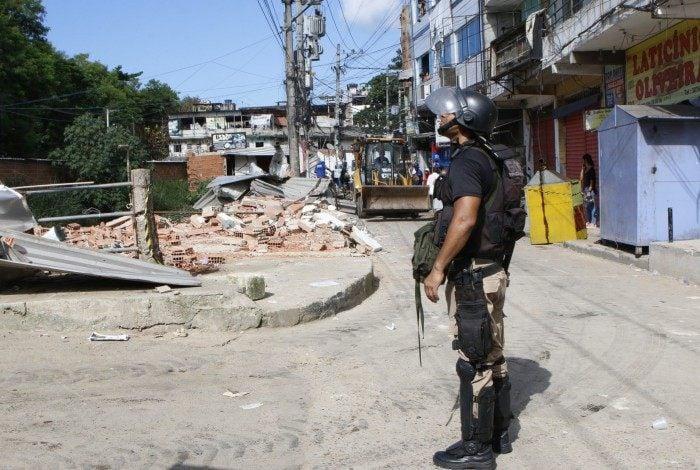 Cinco policiais militares são suspeitos de sequestrar filho do chefe da milícia de Rio das Pedras