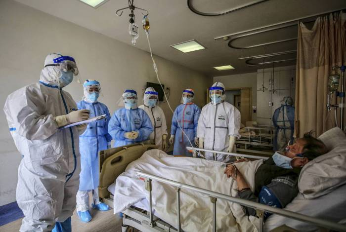 Pacientes com a Covid-19 podem precisar de internação