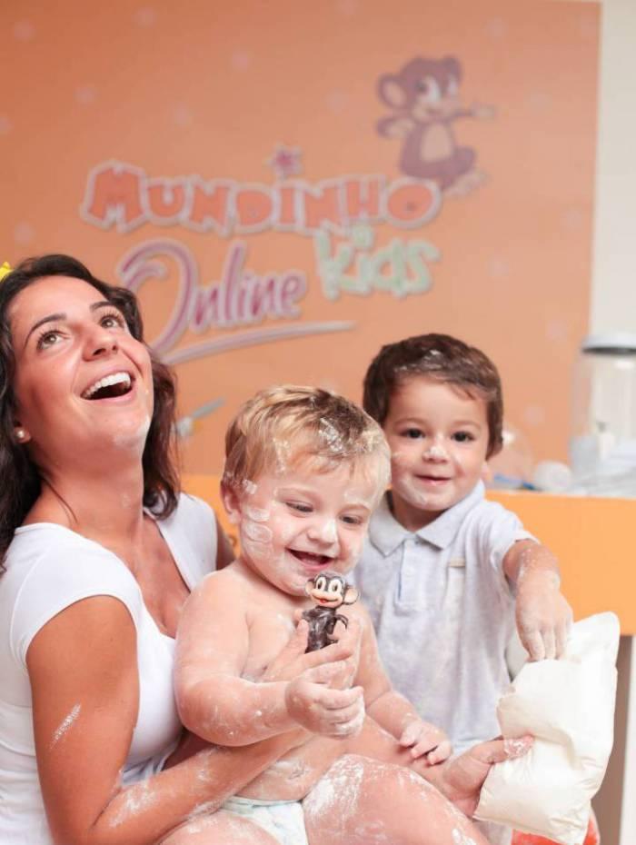 O shopping convidou a artista plástica e fotógrafa Mariana Revelles para participar do Mundinho Kids Online