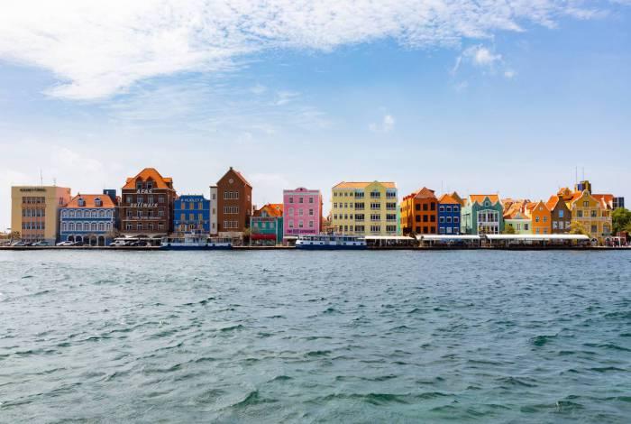 Famoso casario colorido de Curaçao