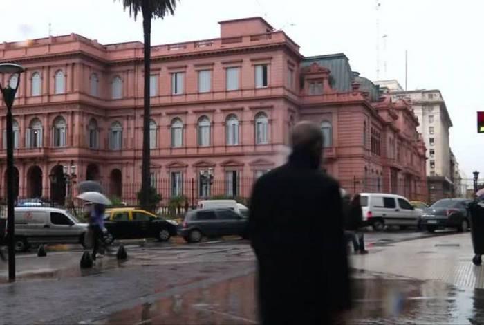 Coronavírus leva Argentina a proibir demissões por 60 dias