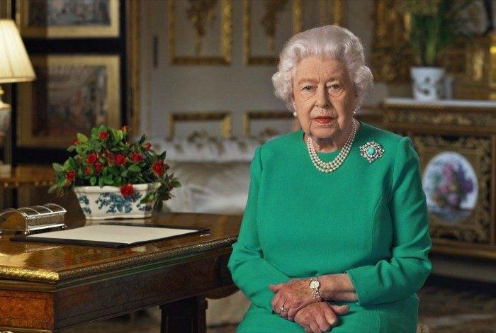 Rainha Elizabeth II mencionou, em um discurso televisionado, a importância da 'dedicação ao dever'