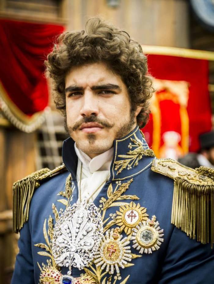 Dom Pedro I (Caio Castro) em Novo Mundo