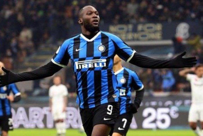 Romelu Lukaku comemora gol pela Inter de Milão
