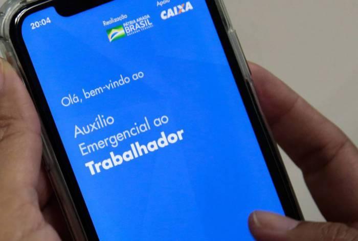 107 milhões de brasileiros pediram o auxílio emergencial