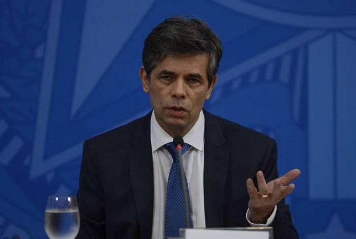 O ministro da Saúde, Nelson Teich, durante a coletiva de imprensa no Palácio do Planalto, sobre as ações de enfrentamento no combate ao coronavírus